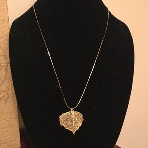 Vintage gold necklace with gold leaf pendant